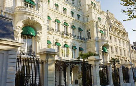Façade Shangri-La Paris